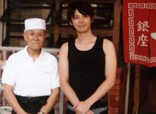 人気ラーメン店店長としても有名な俳優の河相我聞さんも来店されました。